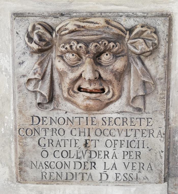 palazzo Ducale Venezia dettagli
